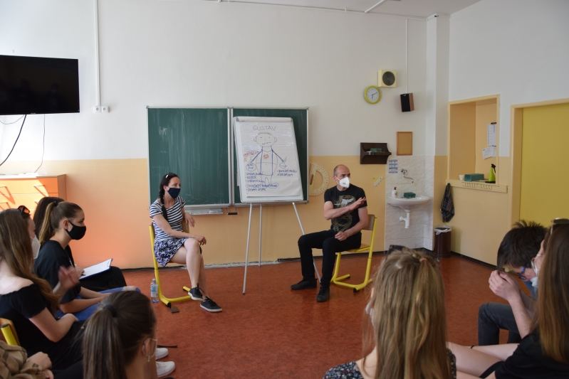 """Kontaktní centrum Agarta – přednáška """"Drogová závislost"""""""